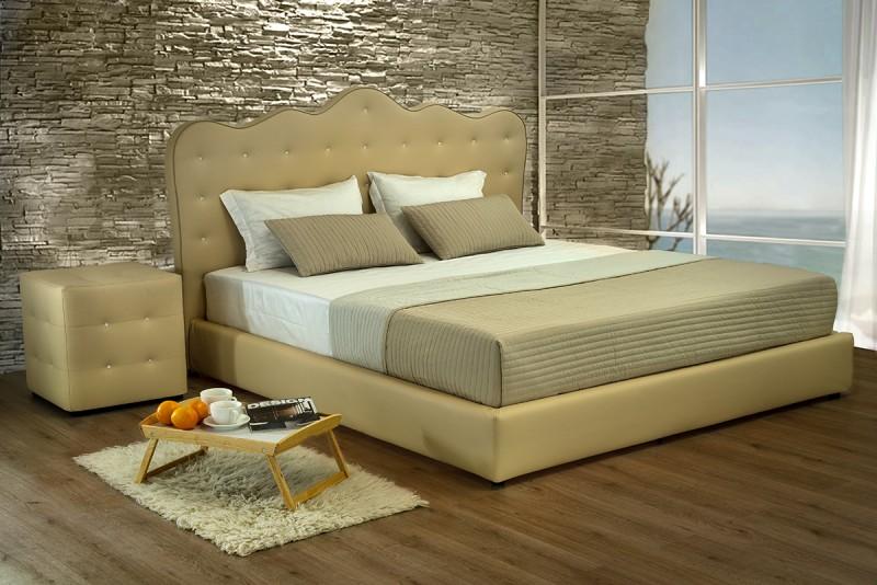 Karališkų formų odinė miegamojo lova MALIBU